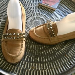 Jeffrey Campbell Loafers tan leather studded 9.5